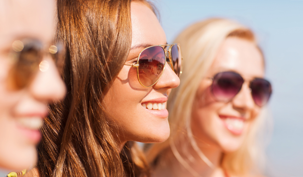 512a43fbb Deixar de usar proteção pode causar mal estar e até deformidade na vista e óculos  falsificado pode causar prejuízos à visão. | Centro de Olhos de Campos
